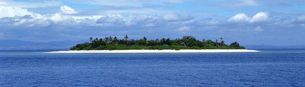 800px-Island_near_Fiji